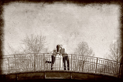 Outdoor Engagement portrait at Ann Morrison Park Boise. Photo by Mike Reid, All Outdoor Photography.