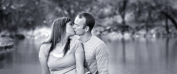 Boise Engagement Portrait at Ann Morrison Park. Photo by Mike Reid, All Outdoor Photography.